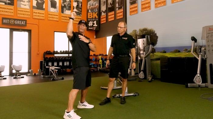 shoulder-stretches-for-golf