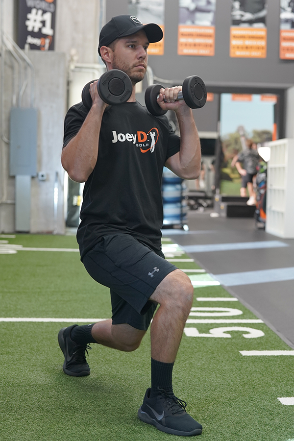 alternating-weighted-lunges